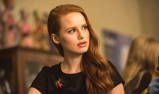 Madelaine Petsch in Riverdale