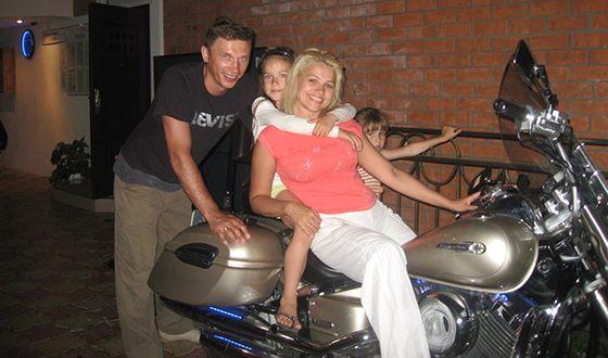 Алина Загитова с родителями