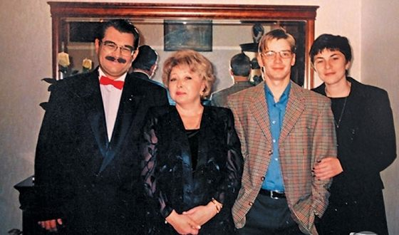 Anna Frolovtseva with her husband, son and daughter in law