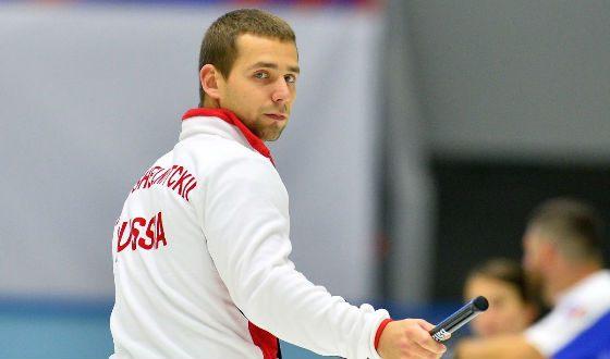In the photo: curling Alexander Krushelnitsky