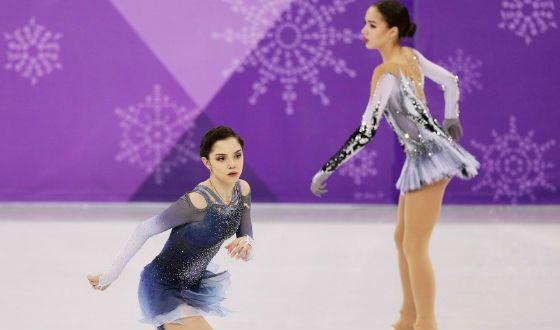 In the photo: Alina Zagitova and Evgenia Medvedeva