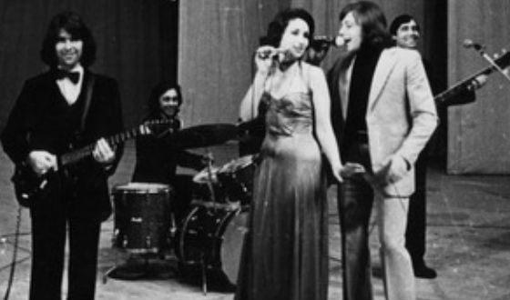 Ирина Аллегрова в составе ВИА «Факел» (1979)