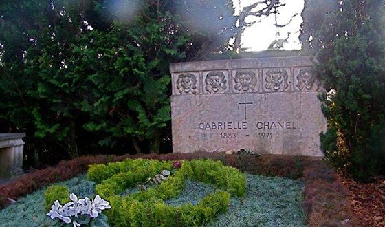 Похоронена Коко Шанель в Лозанне на кладбище Буа-де-Во