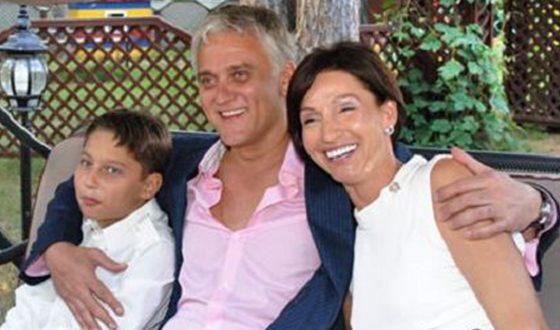 Александр Маршал с женой и сыном