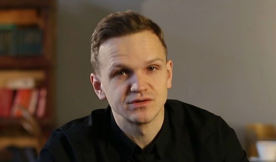 Дмитрий Ларин – картавит