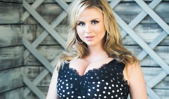Anna Semenovich said that she did not have breast surgery