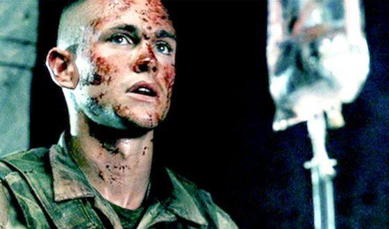 """Hugh Dancy in the movie """"Black Hawk Down"""""""