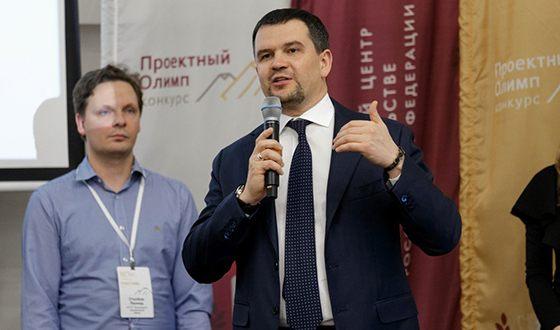 В новом составе правительства РФ Максим Акимов курирует вопросы цифровой экономики, транспорта и связи