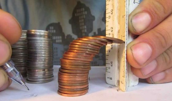 Текущий рекорд – башня из 69 монет за 1 минуту