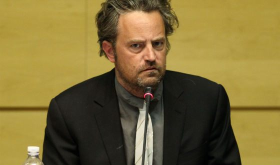 """Fans of """"Friends"""" were unpleasantly surprised at how Matthew Perry looked"""