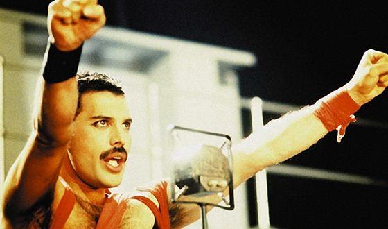 Ðа ÑоÑо: ФÑедди ÐеÑкÑÑÑи (Freddie Mercury)