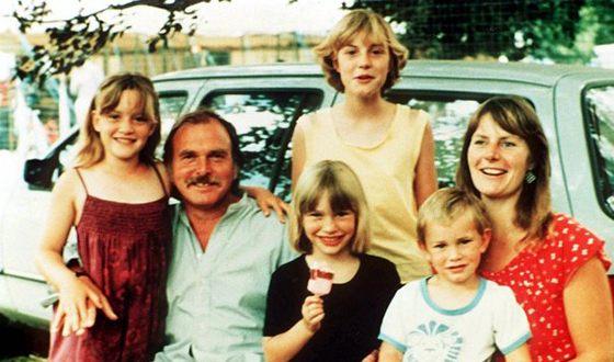 Кейт Уинслет с родителями, сестрами и братом