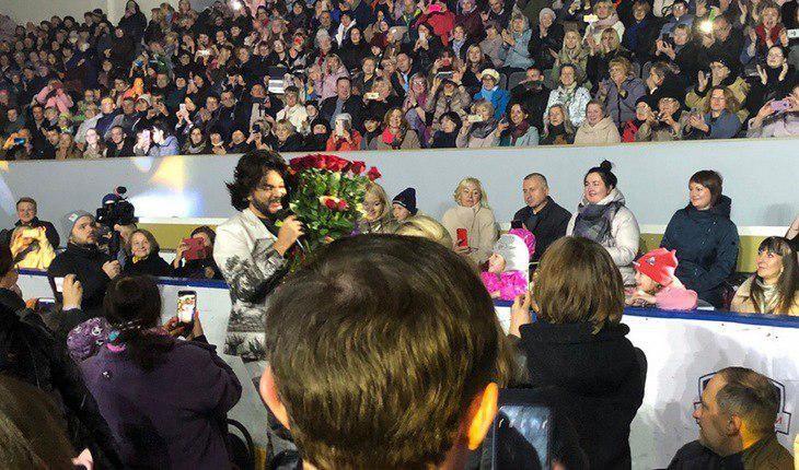 Танцующая на концерте Киркорова бабушка украла сердечко пользователей