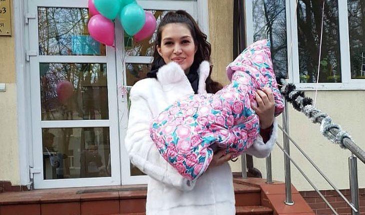 У беременной жены Бари Алибасова-младшего из-за измены мужа отнялись ноги