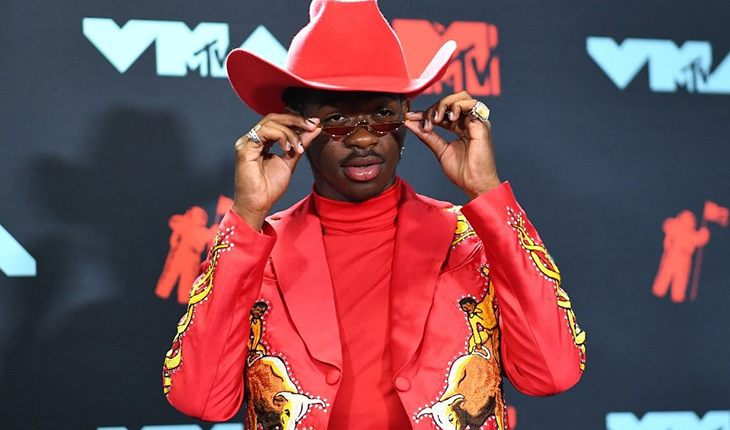 Lil Nas X на премии American Music Awards