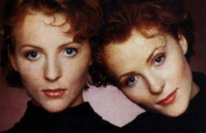 Кто из знаменитостей имеет брата или сестру-двойняшку?