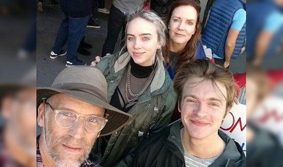 Билли Айлиш и ее семья