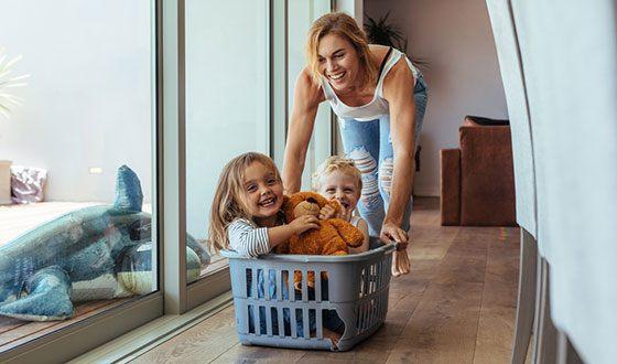 У ребенка женщины-Весов и мужчины-Близнецов будет счастливое детство