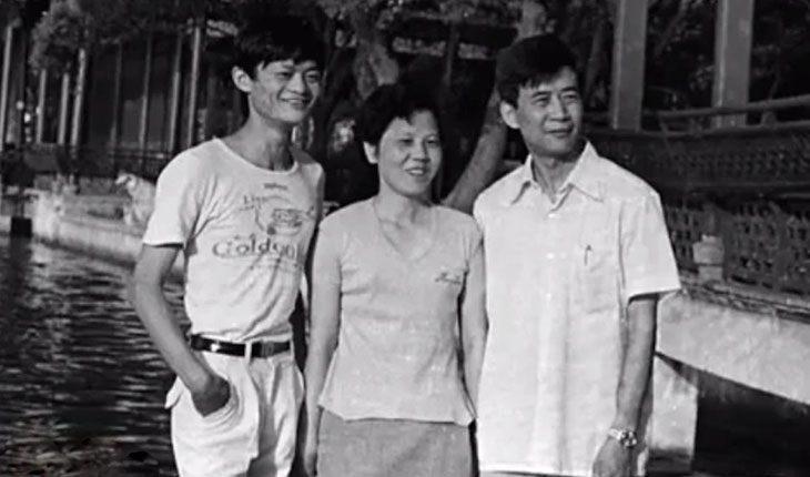 Джек Ма с родителями