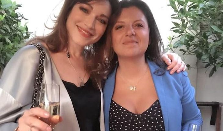 Алена Хмельницкая и Маргарита Симоньян