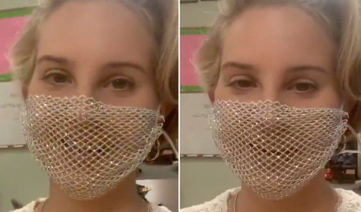 Лану Дель Рей раскритиковали за ношение маски