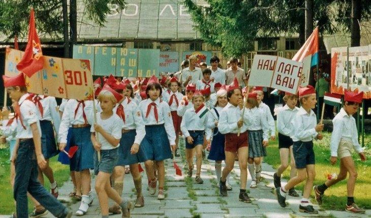 «Хочу в СССР»: что упрощало жизнь нашим матерям, но не достанется нам?