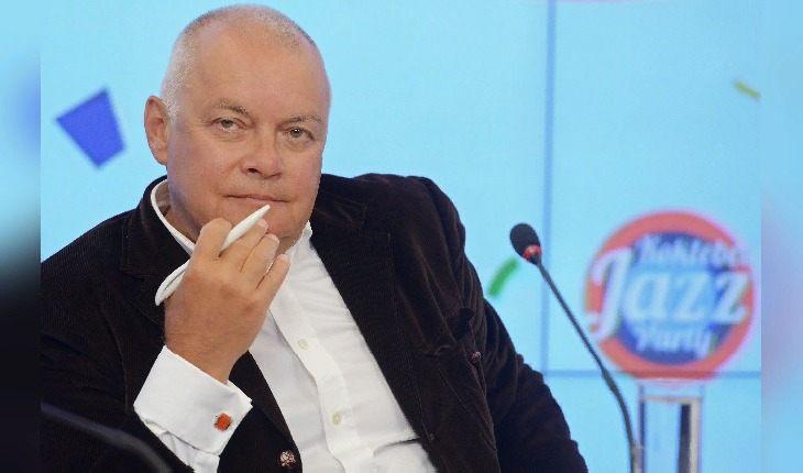 🤬 Какие зарплаты получают 8 телеведущих российских федеральных каналов?