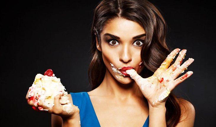 4 женщины зодиака, которые любят поесть