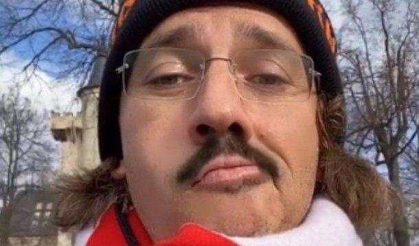 Максим Галкин на карантине отрастил усы