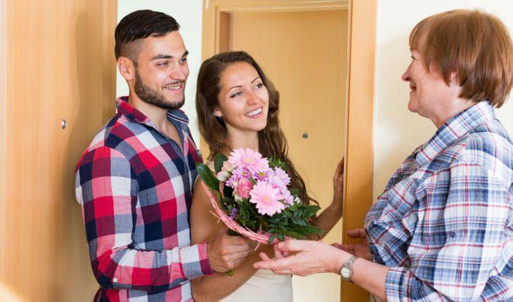 Дочь привела в квартиру мужика и не хочет съезжать