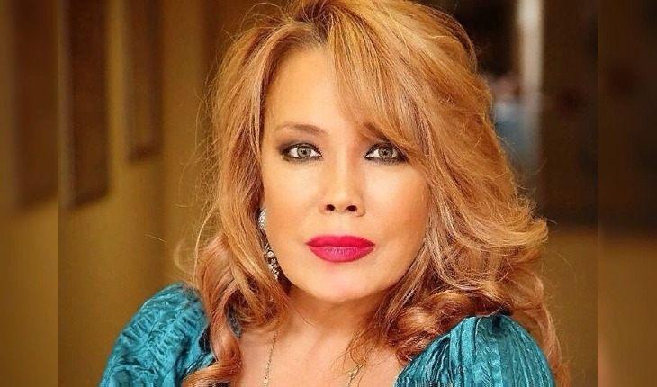 56-летняя певица Азиза похвасталась идеальной талией