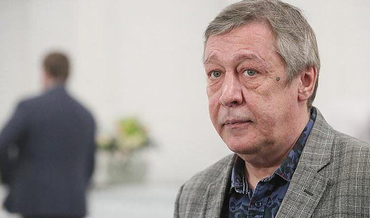 Михаил Ефремов попал в автоаварию в центре Москвы