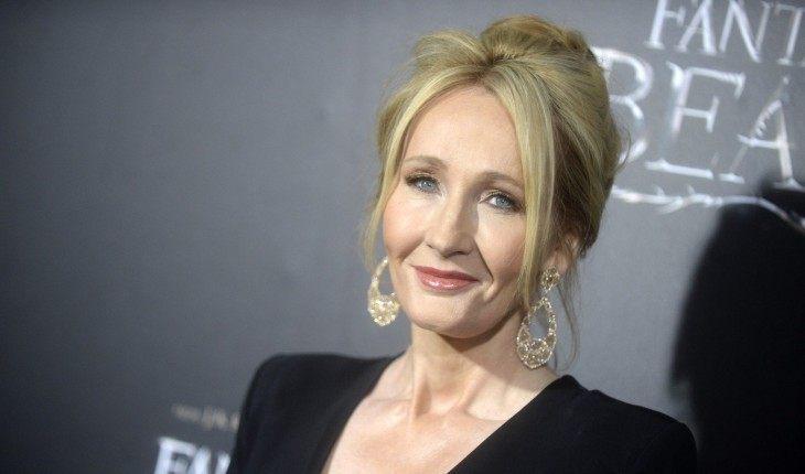 Джоан Роулинг обвинили в трансфобии: как отреагировали знаменитости?