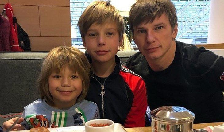 Бывшая теща публично оскорбила Андрея Аршавина