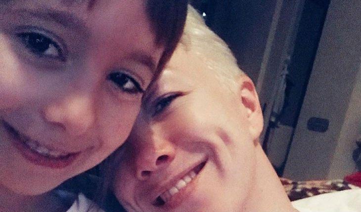 Дочь Богомолова сделала фото обнаженной мамы