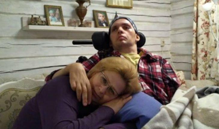 Болезнь сильно изменила разбитого инсультом молодого актера Алексея Янина 13.01.2021 | Звезды, шоу-бизнес