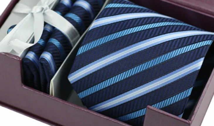 В подарок англичанину лучше приобретать более нейтральный галстук