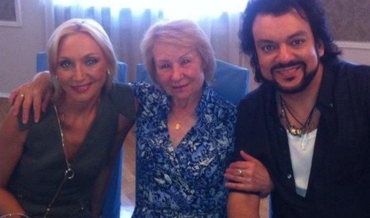 Бывшая домработница Киркорова переживает за певца