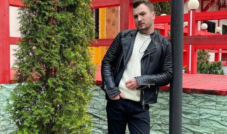 Евгений Кузин не может скрыть неприязнь к Владу Кадони