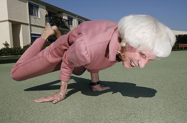 Бабушка с молодыми фото 193-712