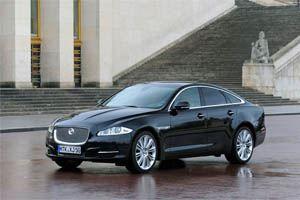 Замыкает тройку лидеров Jaguar XJL