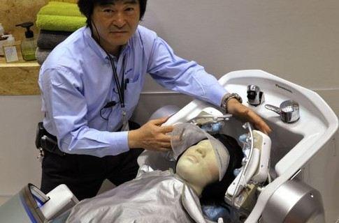 Корпорация Panasonic представила своего нового робота