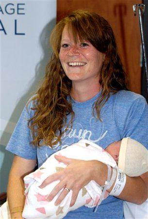 Родилась абсолютно здоровая девочка Джун с весом 3,5 килограмма