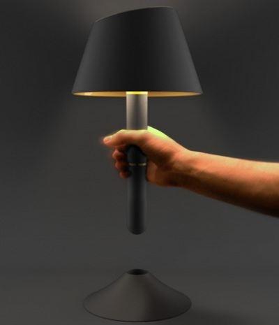 Лампа-факел сослужит хорошую службу если выключат свет