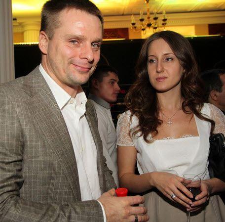 Alexander Nosik with the bride Olga