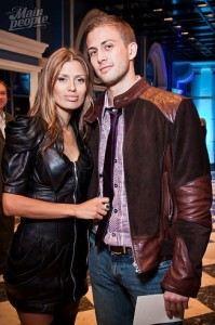 Алекс Смерфит и Вика Боня познакомились в октябре 2010 года в Москве