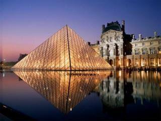 Лидером по посещаемости остается Лувр