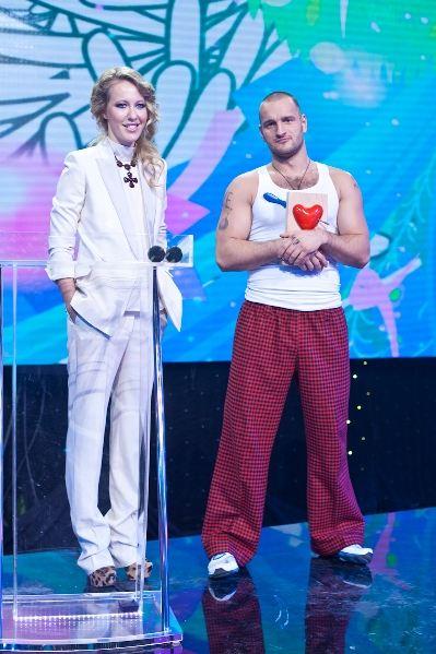 Алексей Самсонов теперь и танцует, и поет