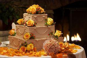 Специалисты рассказали как правильно выбрать свадебный торт