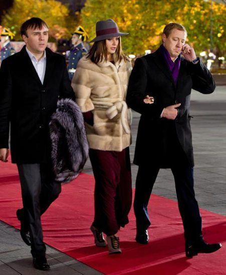 Оксана Федорова с мужем Андреем Бородиным и охранником